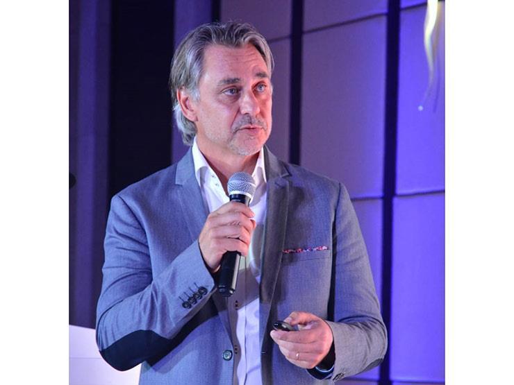 المدير الإقليمي لـ TCL يكشف كواليس عودة هواتف الكاتيل للسوق المصري - حوار