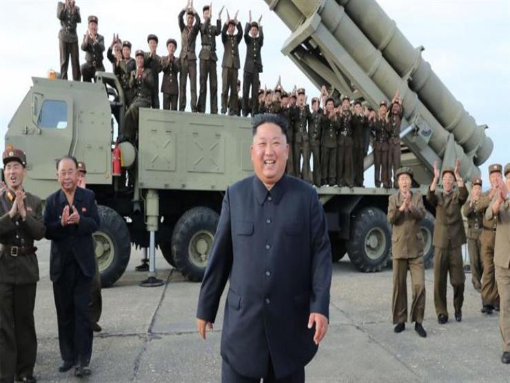 كوريا الشمالية: كيم جونج- أون يشرف على اختبار تجربة منصة إطلاق صواريخ فائقة الضخامة