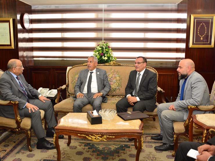 وزير التنمية المحلية يلتقي المستشار الزراعي لوزارة شئون الرئاسة الإماراتية