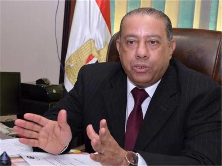 عبدالعظيم حسين: تحويل مصلحة الضرائب من النظام الورقي إلى الإلكتروني