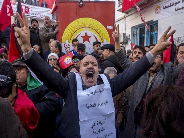 ثلاثية الخبز والإرهاب والديمقراطية تحسم.. من يحكم تونس بعد السبسي؟