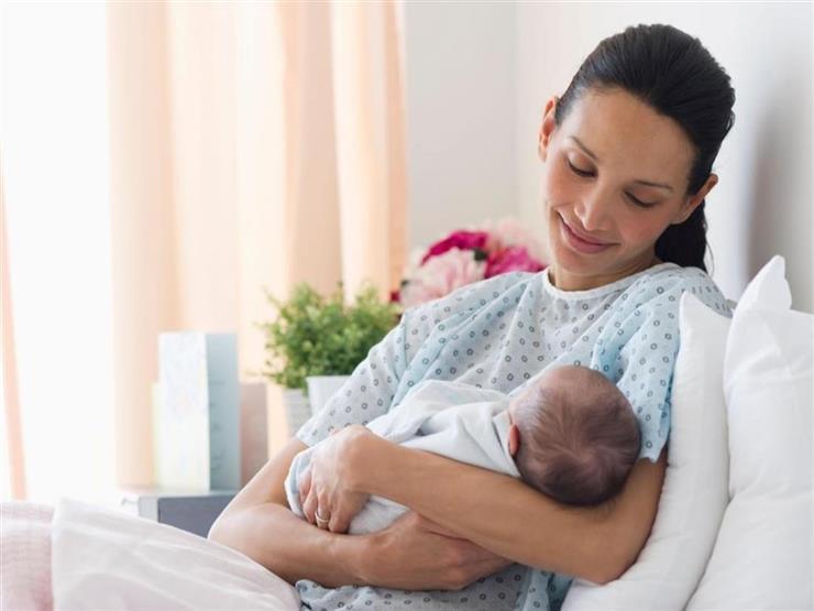 منها تساقط الشعر.. 8 تغيرات جسدية تنتظرك بعد الولادة
