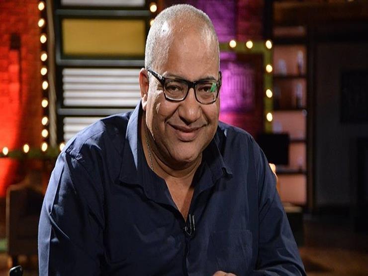 فيديو| لهذا السبب.. بيومي فؤاد يسافر إلى الكويت