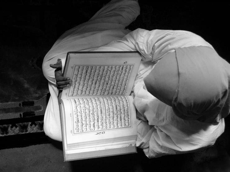 هل يأثم من يقرأ القرآن بدون تدبر؟.. تعرف على رد أمين الفتوى
