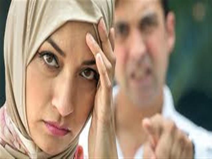 تعرف على حكم قول رجل لزوجته أنت محرمة علي لمدة شهر.. الإمام الطيب يوضح
