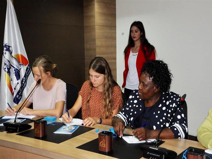 وفد من حقوق الإنسان بزيمبابوي يزور المجلس القومي للمرأة