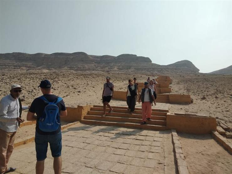 """وفد سياحي إسباني يزور """"آثار المنيا"""""""