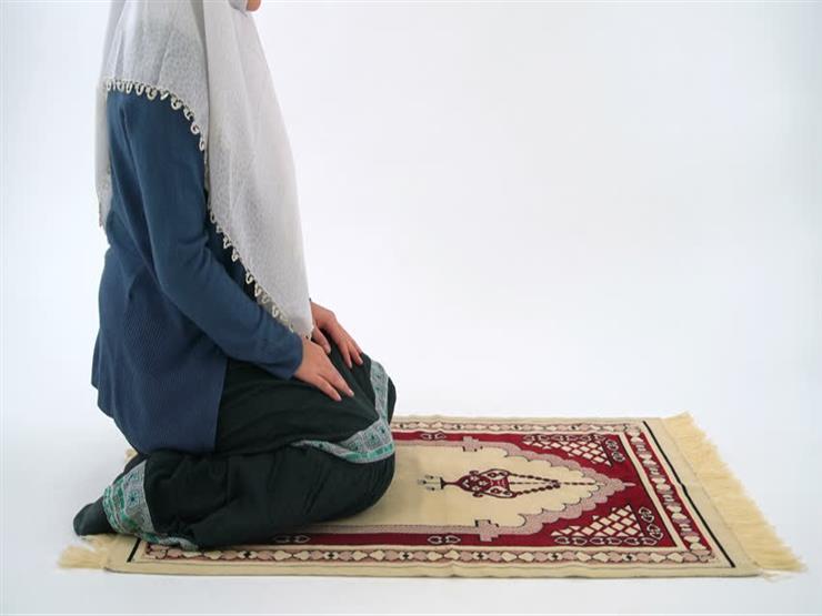 بالفيديو| تعرف من أمين الفتوى على كيفية إمامة المرأة للأطفال في الصلاة