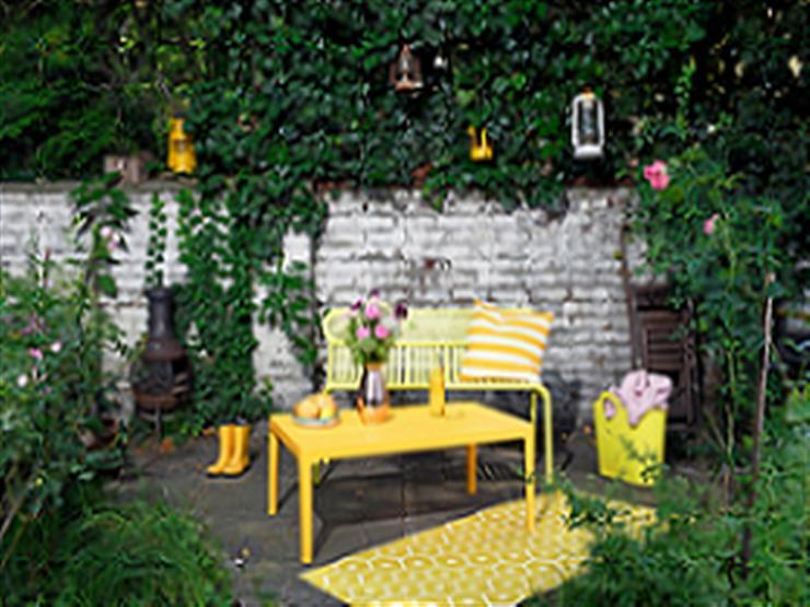 في صيف 2020.. أثاث الشرفات والحدائق يسطع بالأصفر