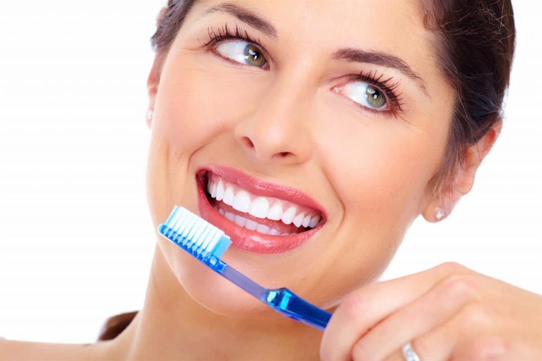 دون الحاجة لطبيب.. طريقة استخدام الملح في تبييض الأسنان