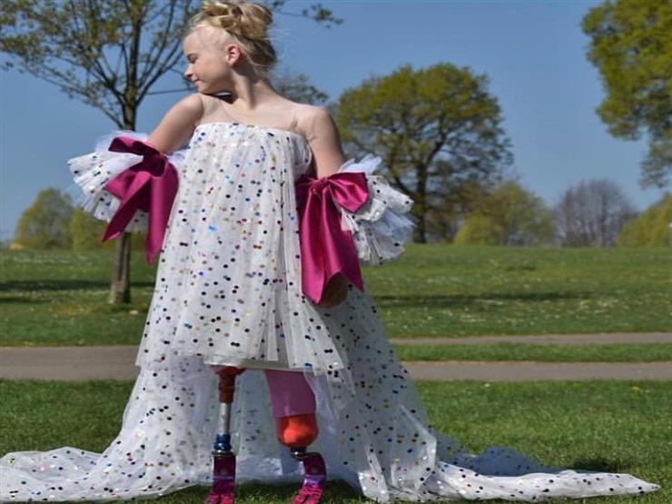 تشارك بأسبوع الموضة بباريس.. تعرف على أصغر عارضة أزياء من ذوي الاحتياجات