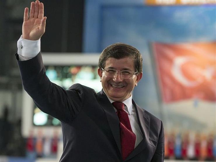 """أحمد داوود أوغلو: """"الخوجا"""" المقرب من أردوغان الذي استحال إلى عدوه"""
