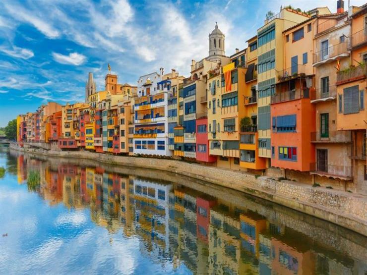ما الذي يمكن رؤيته في مدينة جيرونا الإسبانية؟