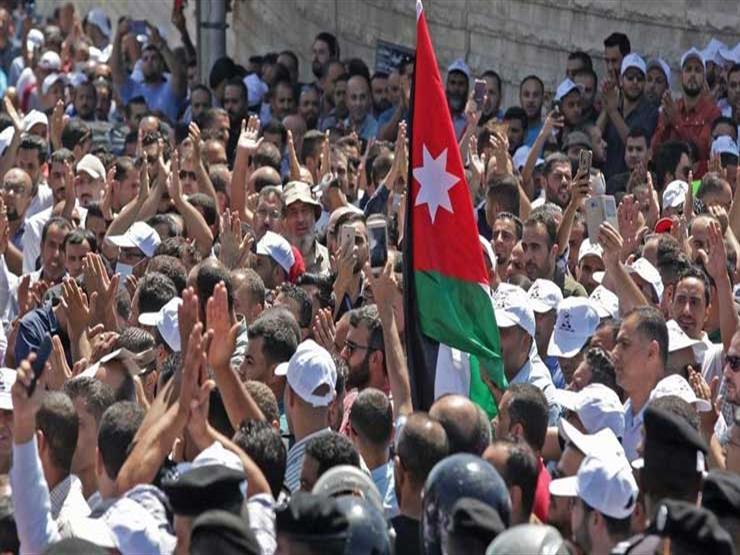 معلمو المدارس الحكومية في الأردن يواصلون إضرابهم للمطالبة بزيادة الأجور