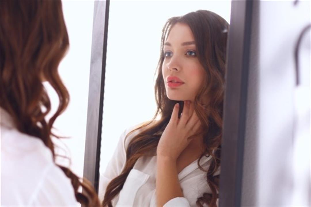 منها الشامات.. 10 علامات تظهر على الوجه تخبرك بحالتك الصحية