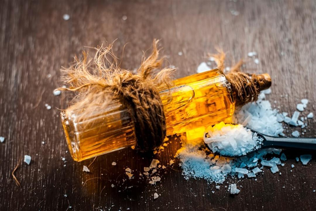 مسكن للآلام ويعالج الإكزيما.. 7 فوائد لا تتوقعها لزيت الكافور