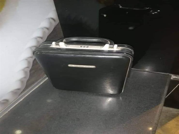 عثر عليها داخل المحطة.. الأمن يعيد حقيبة بها مبلغ فقدها مواطن بالمترو