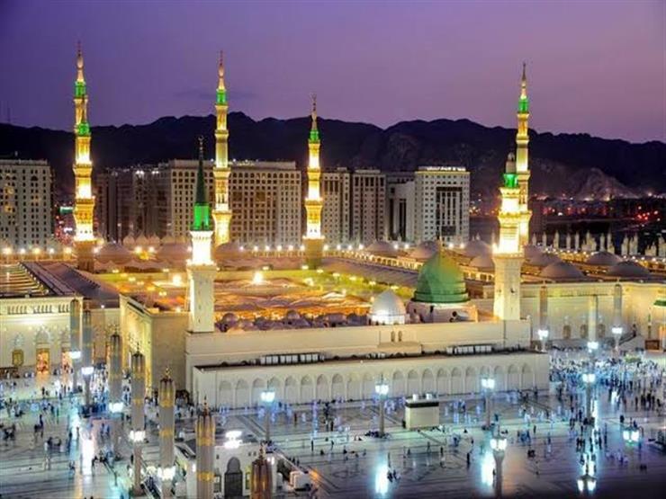 """صورة خطيب المسجد النبوي يوضح كيفية تطبيق حديث """"الدين نصيحة"""""""
