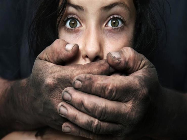 """كررها 9 مرات وضربها بـ""""كرباج"""".. إحالة أوراق المتهم باغتصاب طفلته بالمحلة إلى المفتي"""