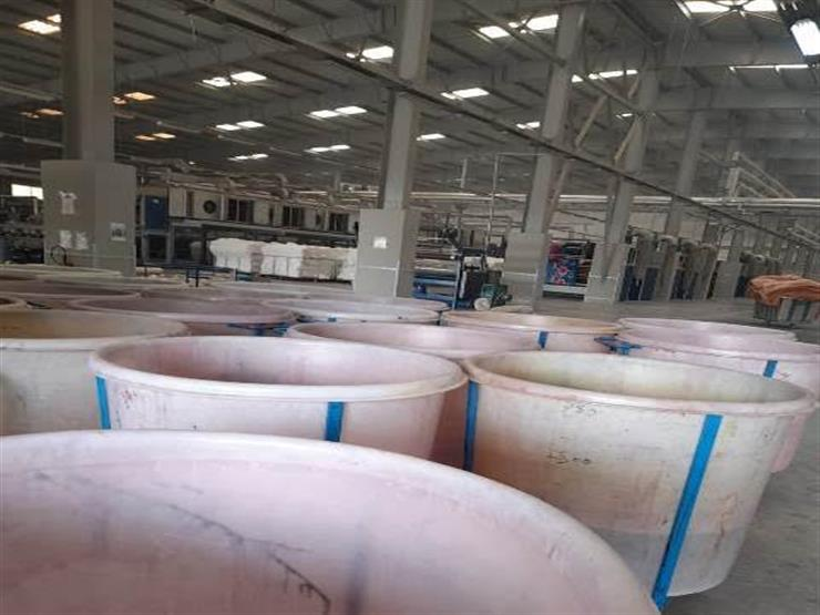 بالصور.. ضبط طن مواد تصنيع نسيج مجهولة بالمنطقة الصناعية في الشرقية
