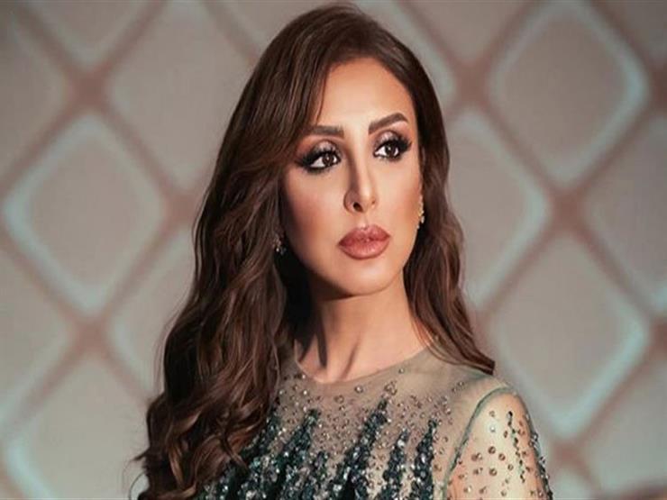 """نجم مصر"" .. أنغام تنعى محمود ياسين"