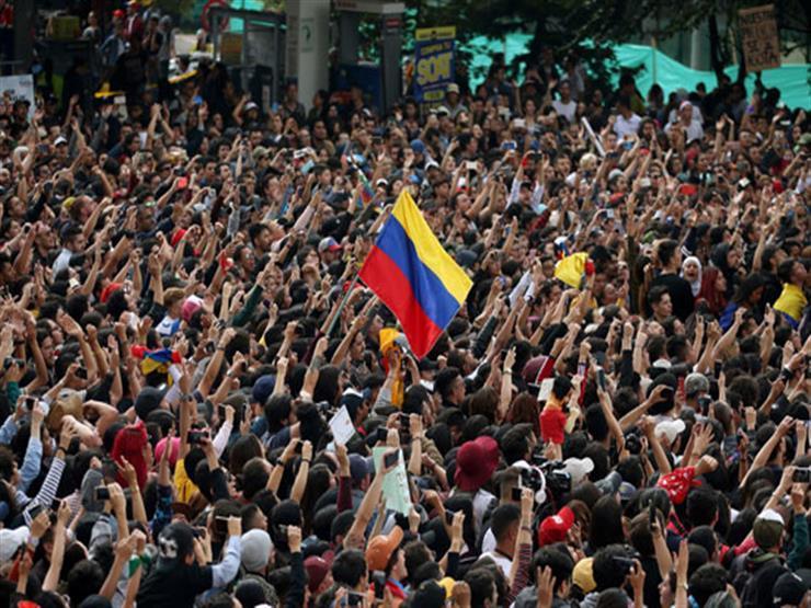 الآلاف يتظاهرون في جميع أنحاء كولومبيا ضد القتل والفقر