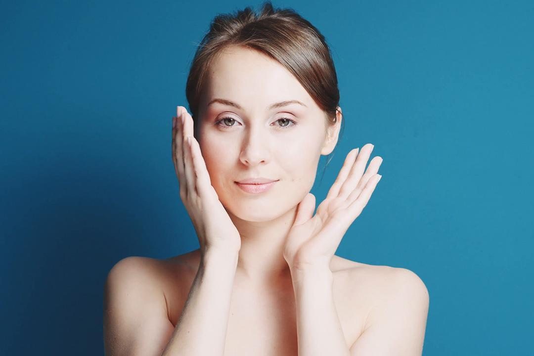 5 نصائح بسيطة للتخلص من دهون الوجه والرقبة (صور)