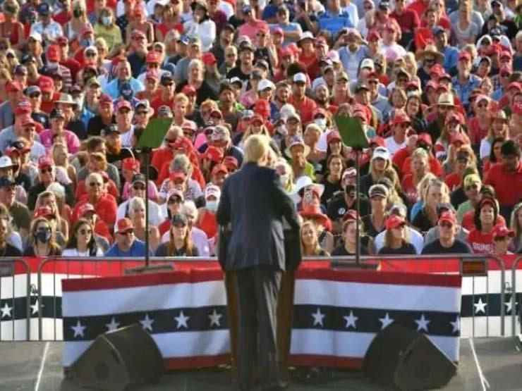 """الانتخابات الأمريكية: ترامب يكثّف حملته وبايدن يتمسك بـ""""سلاح كوفيد"""""""