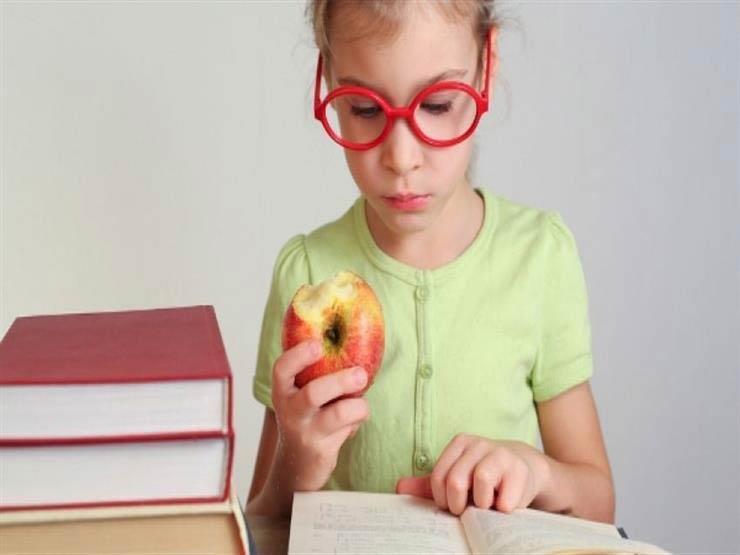 9 أطعمة لتحفيز التركيز لدى الأطفال.. منها الخضروات الملونة