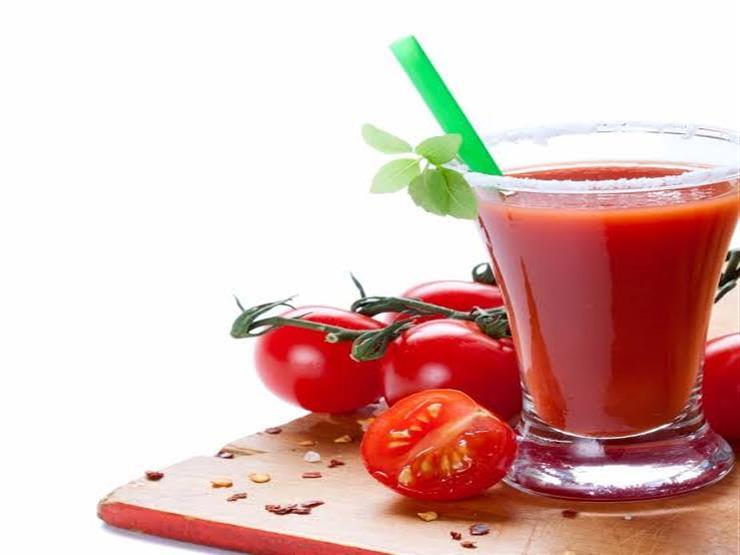 هل تعلم ما فائدة عصير الطماطم لجسمك؟