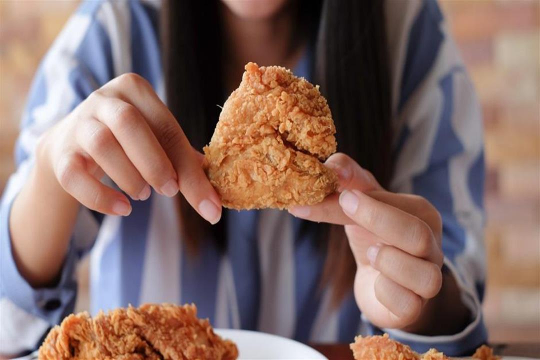 3 طرق بسيطة لجعل الأطعمة المقلية صحية.. تعرف عليها
