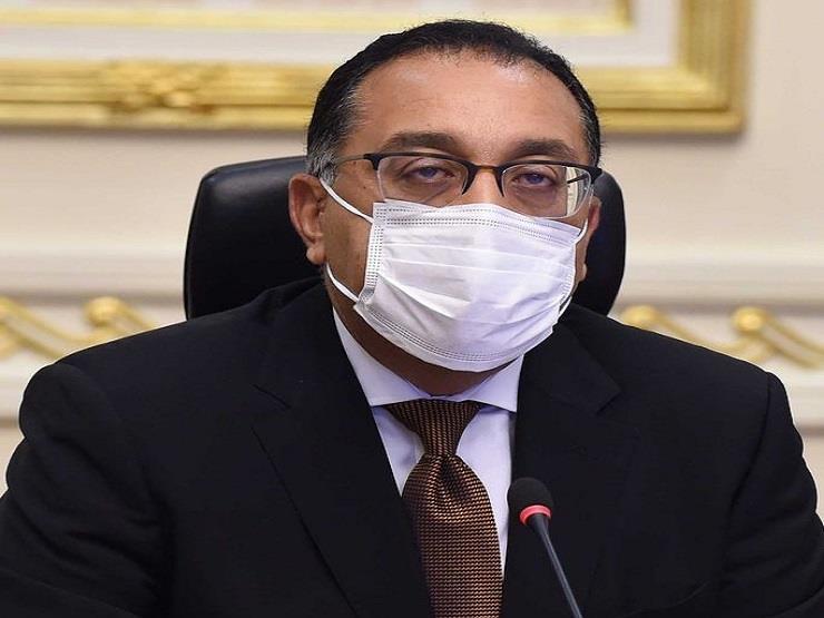 """رئيس الوزراء يتفقد مصنع """"إيدج"""" للملابس الجاهزة ببورسعيد"""