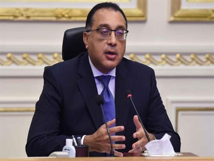 """رئيس الوزراء يزور مصنع """"كابسي للدهانات"""" بمحافظة بورسعيد"""