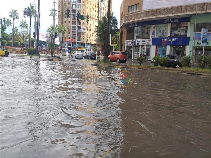 نصائح مهمة يجب اتباعها لإنقاذ السيارة الغارقة في مياه الأمطار