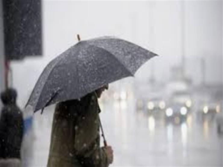 تناول الماء قبل الخروج واحذر أعمدة الإنارة.. نصائح للحماية من الأمطار الغزيرة