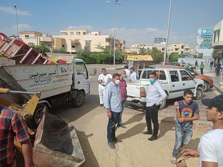 جهاز مدينة الشروق يشن حملة لرفع الإشغالات والباعة الجائلين بالمدينة