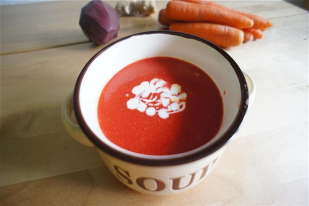 تحمي الشعر والبشرة.. 4 عناصر غذائية لحساء الجزر والشمندر