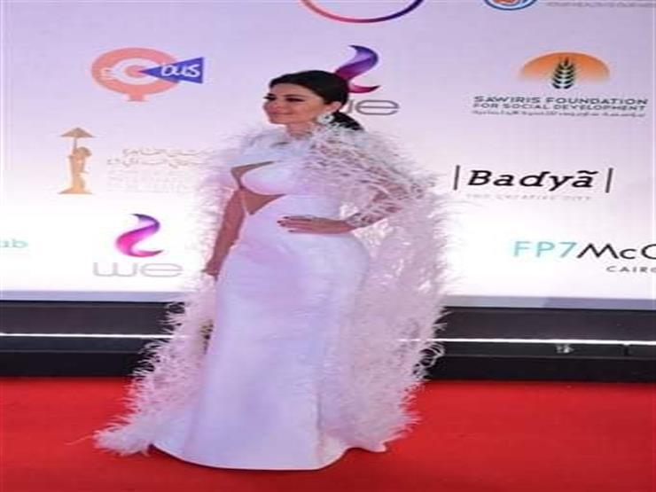 الأجرأ في حفل افتتاح مهرجان القاهرة.. ريموشكا بفستان مثير لل   مصراوى