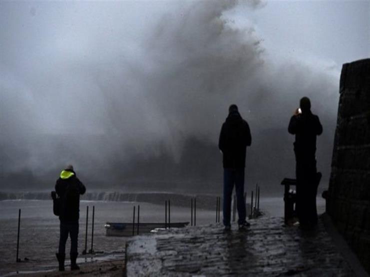 العاصفة كيارا: فيضانات ورياح عاتية تضرب بريطانيا وتتسبب في اضطراب حركة السفر