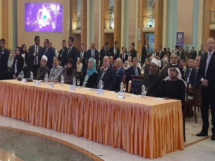 محافظ القاهرة: تعيين 161 من الحاصلين على شهادة الـ5% خلال 2019