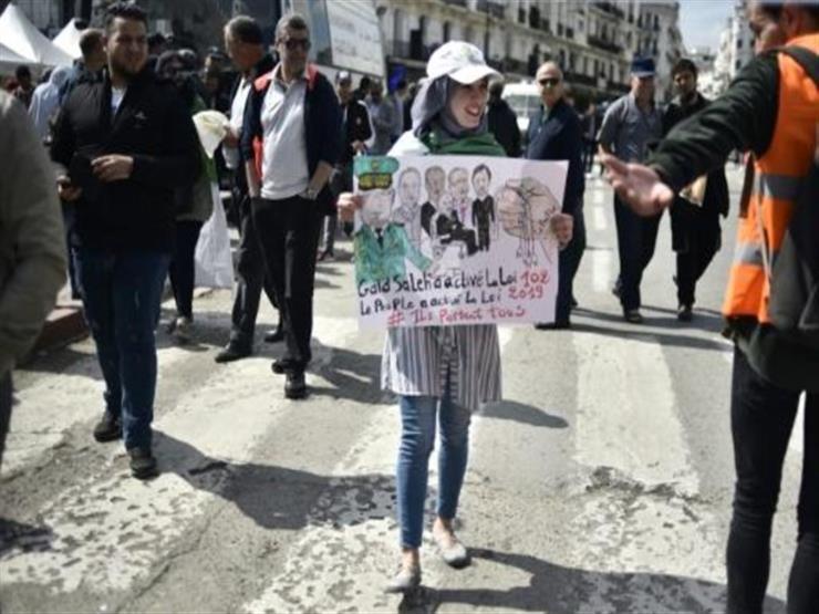 مواقع التواصل الاجتماعي تحفظ ذاكرة الحراك في الجزائر
