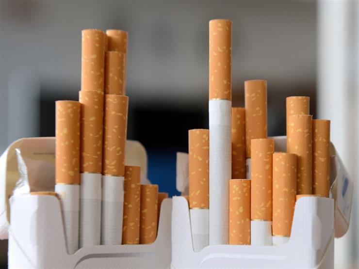 رسميا.. مصلحة الضرائب تعلن الأسعار الجديدة للسجائر (جدول)