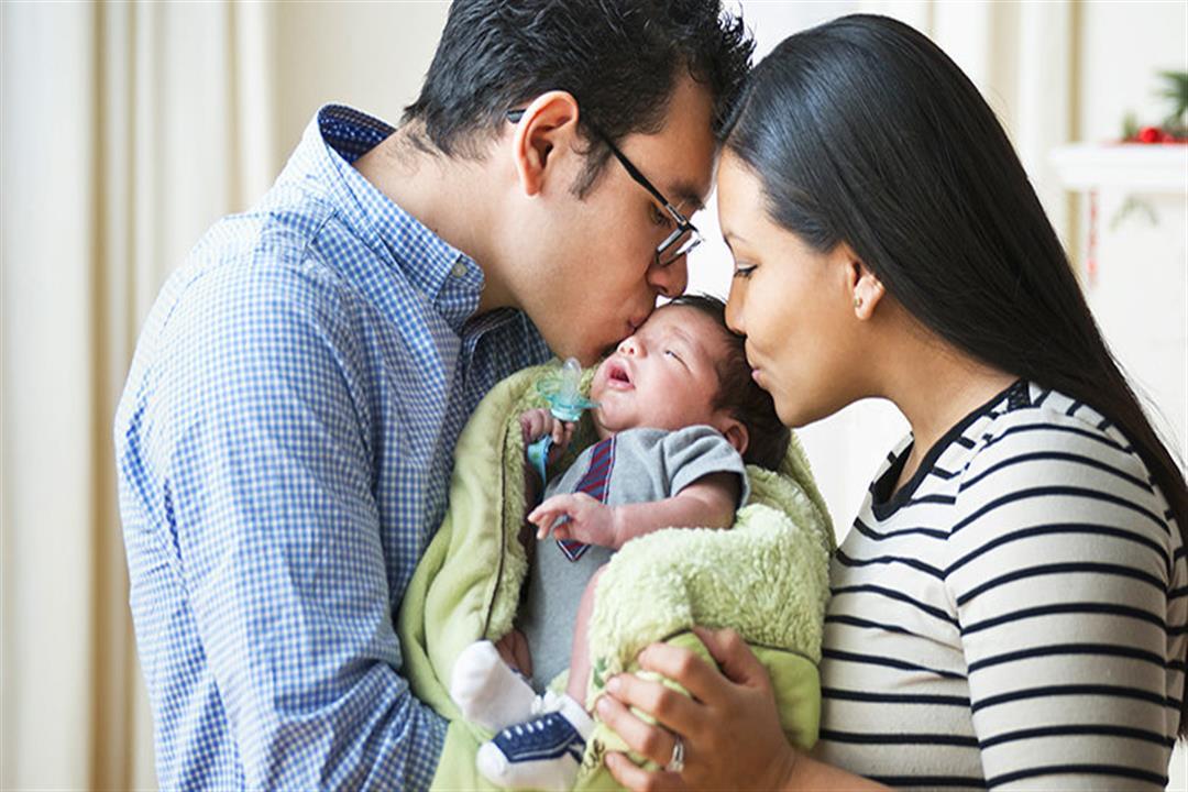 الموسيقى تعزز الذكاء.. 6 خرافات شائعة حول التعامل مع حديثي الولادة