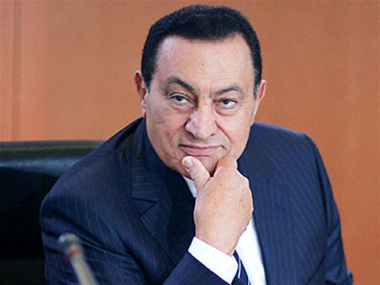 كيف نعى المشاهير الرئيس الأسبق مبارك