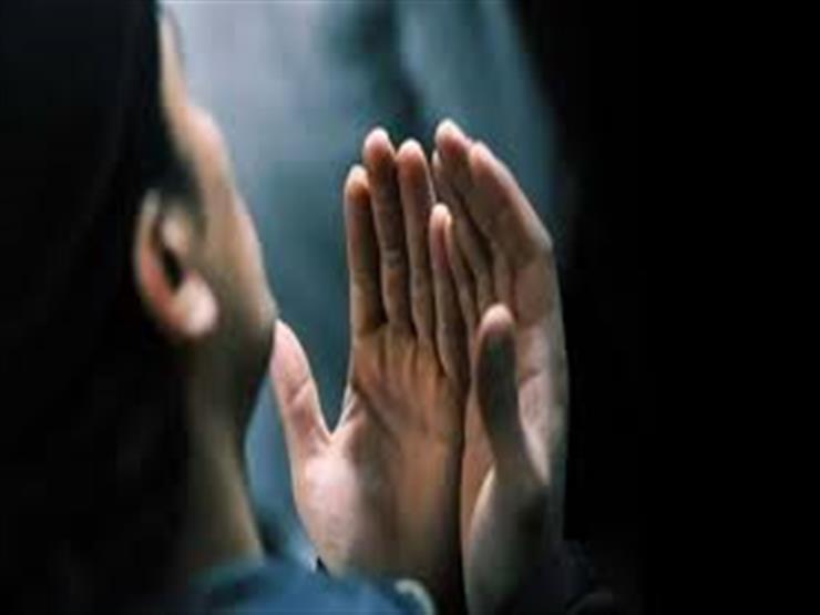 دعاء في جوف الليل: اللهم يا كاشف الكربات اقضِ عنا الدين وأعذنا من الفقر
