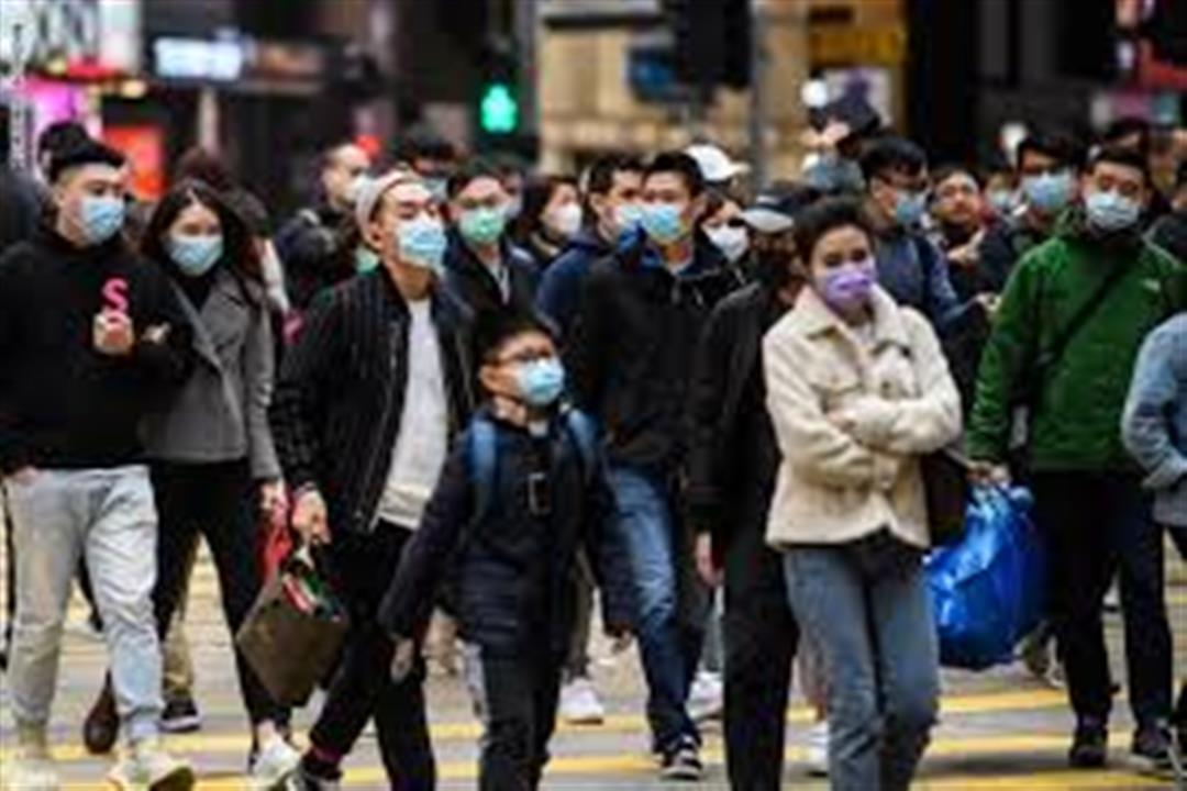 أي الفئات العمرية أكثر عرضة للإصابة بفيروس كورونا المستجد؟