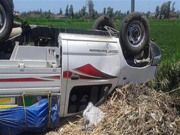 إصابة 5 أشخاص إثر انقلاب سيارة ربع نقل في العاشر من رمضان