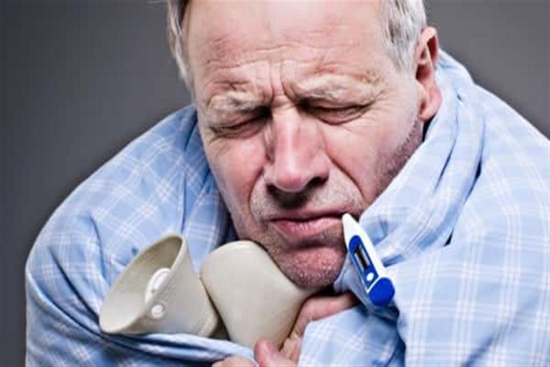 أخطرها الالتهاب الرئوي.. الإنفلونزا تهدد كبار السن بمضاعفات خطيرة