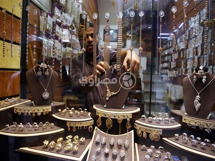 أسعار الذهب بمصر تقفز 10 جنيهات في أسبوع بسبب زيادة الدولار