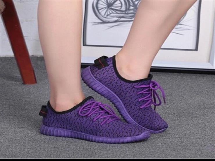 الحذاء الرياضي يزهو بالبنفسجي هذا الربيع